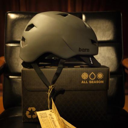 Bern_helmet02