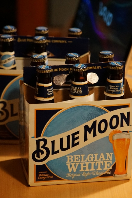 Blue_moon_beer_01