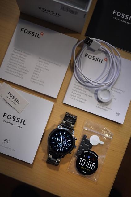 Fossil_gen5_01